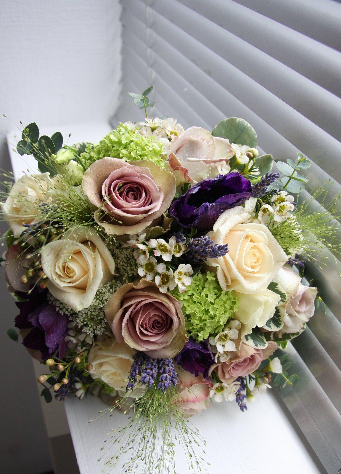 vintage wedding flower bouquets photo - 1