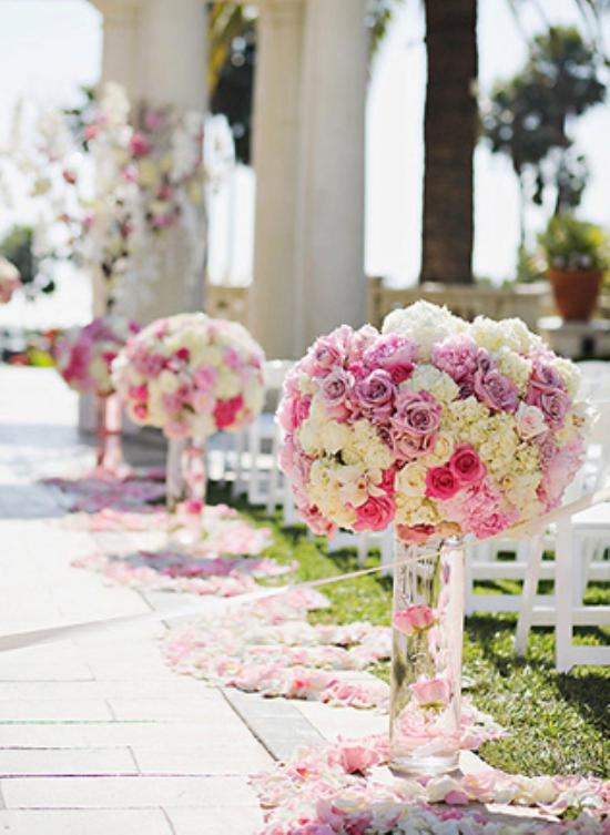 wedding aisle flowers photo - 1