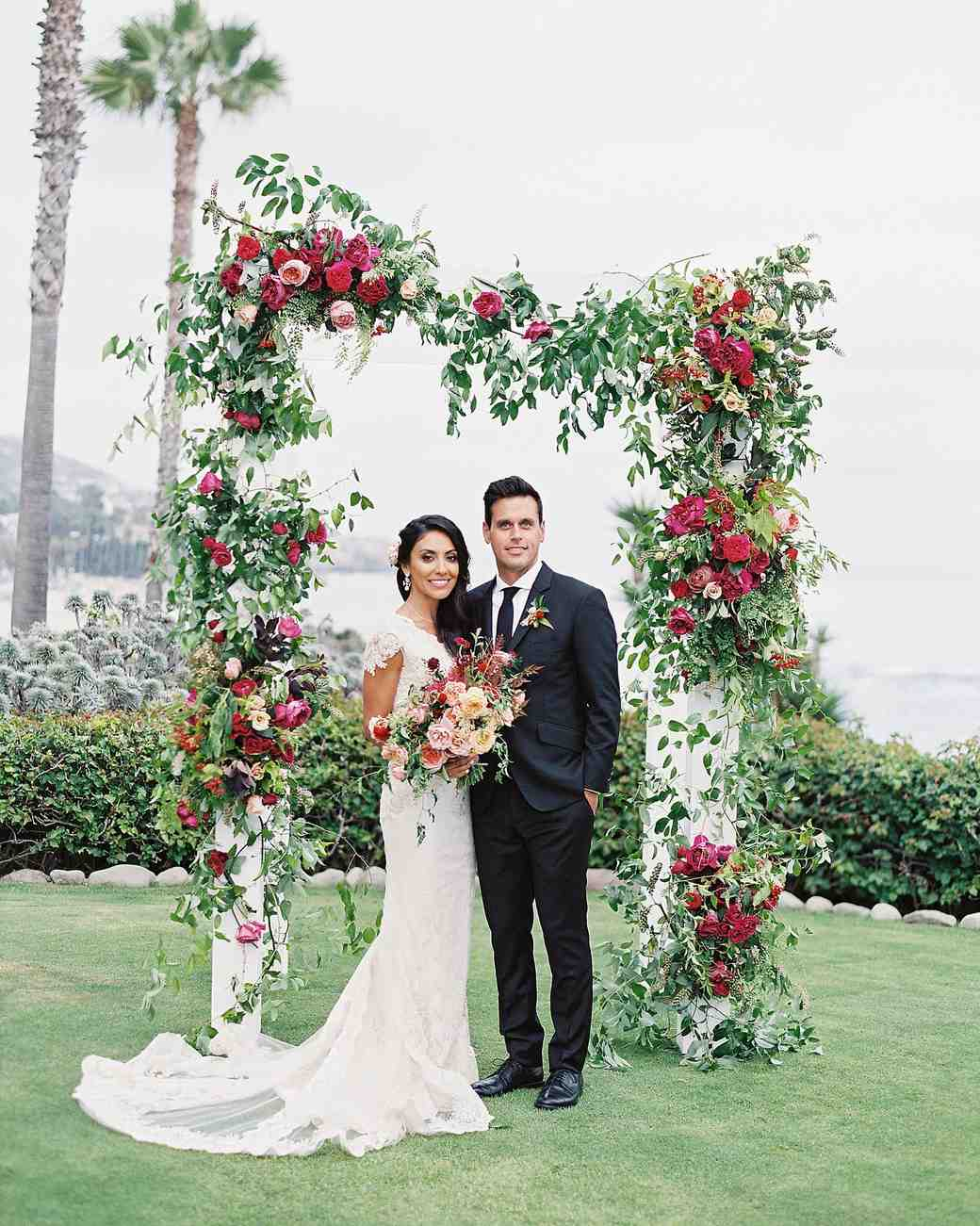 wedding arches flowers photo - 1