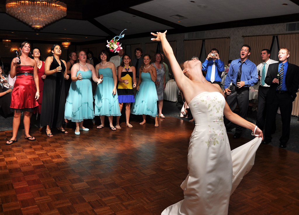 wedding bouquet toss photo - 1