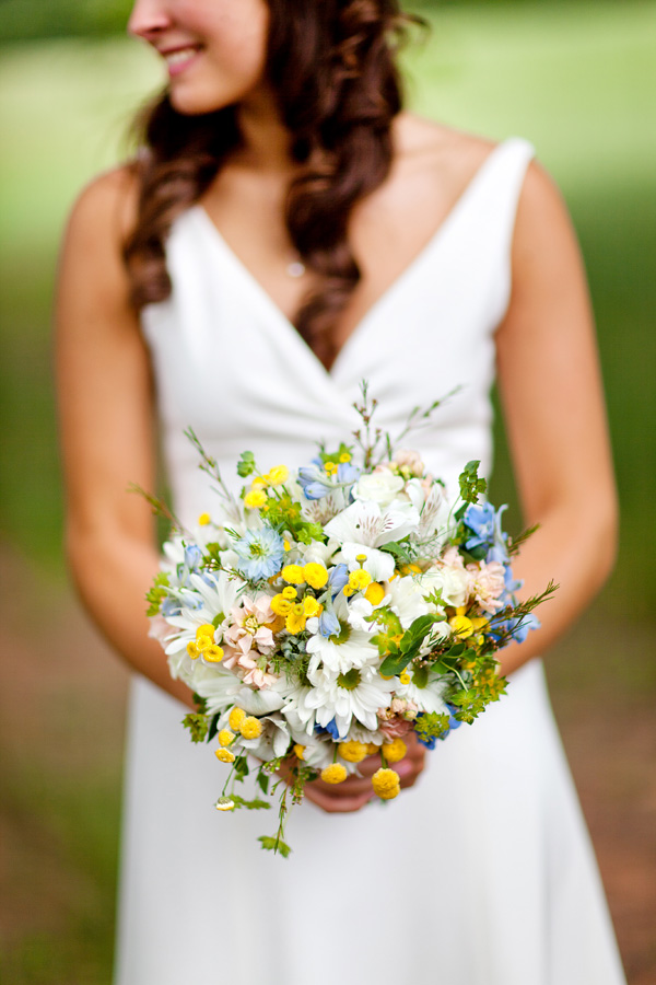 wedding bouquets daisies photo - 1