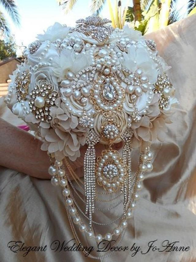 wedding bouquets made of brooches photo - 1