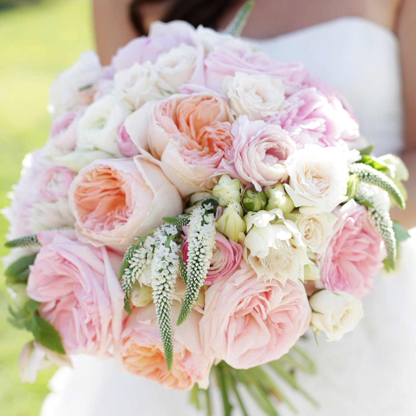 wedding bouquets of roses photo - 1