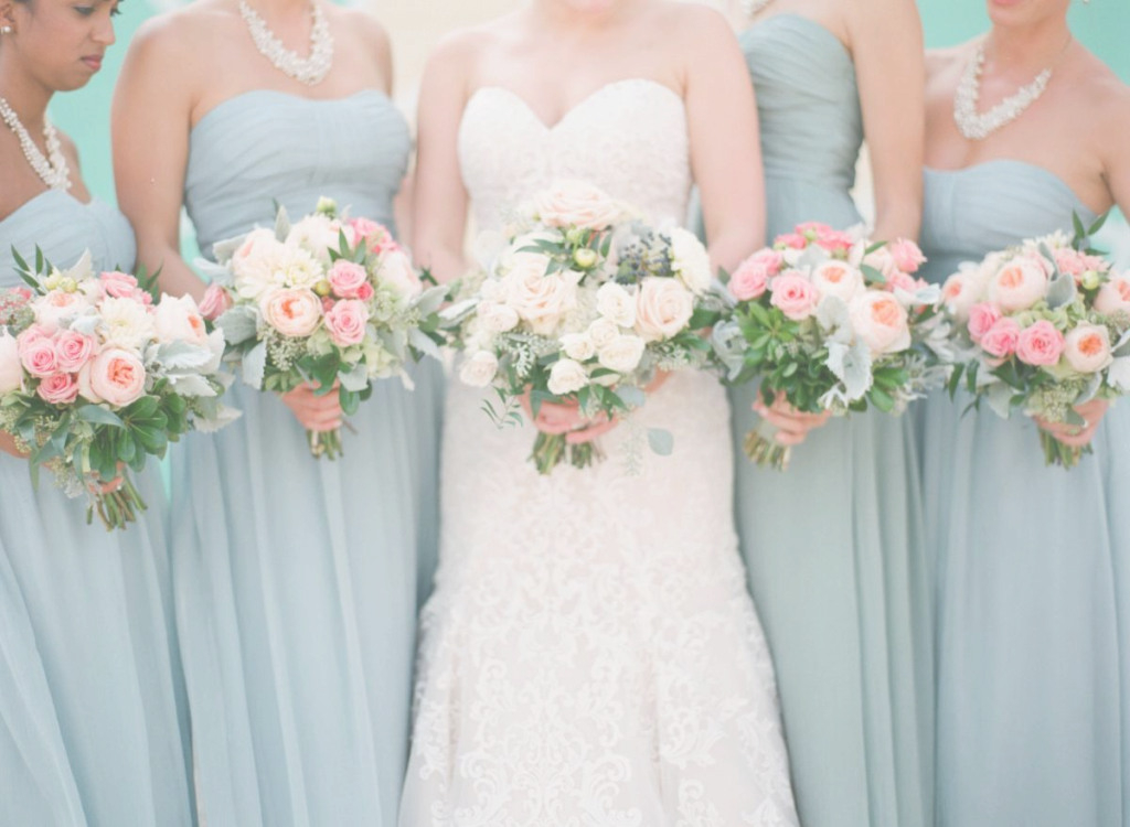 wedding bouquets on a budget photo - 1
