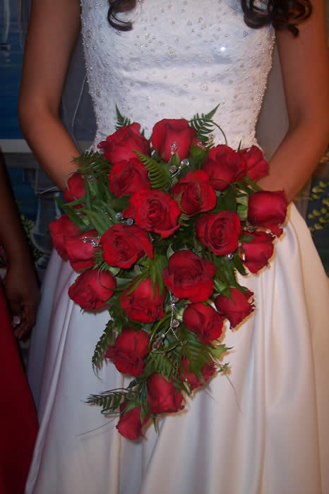 wedding bouquets red roses photo - 1