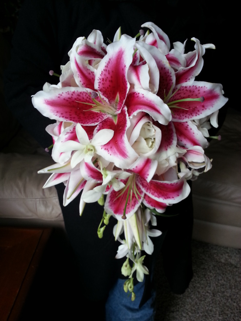 wedding bouquets with calla lilies and roses photo - 1
