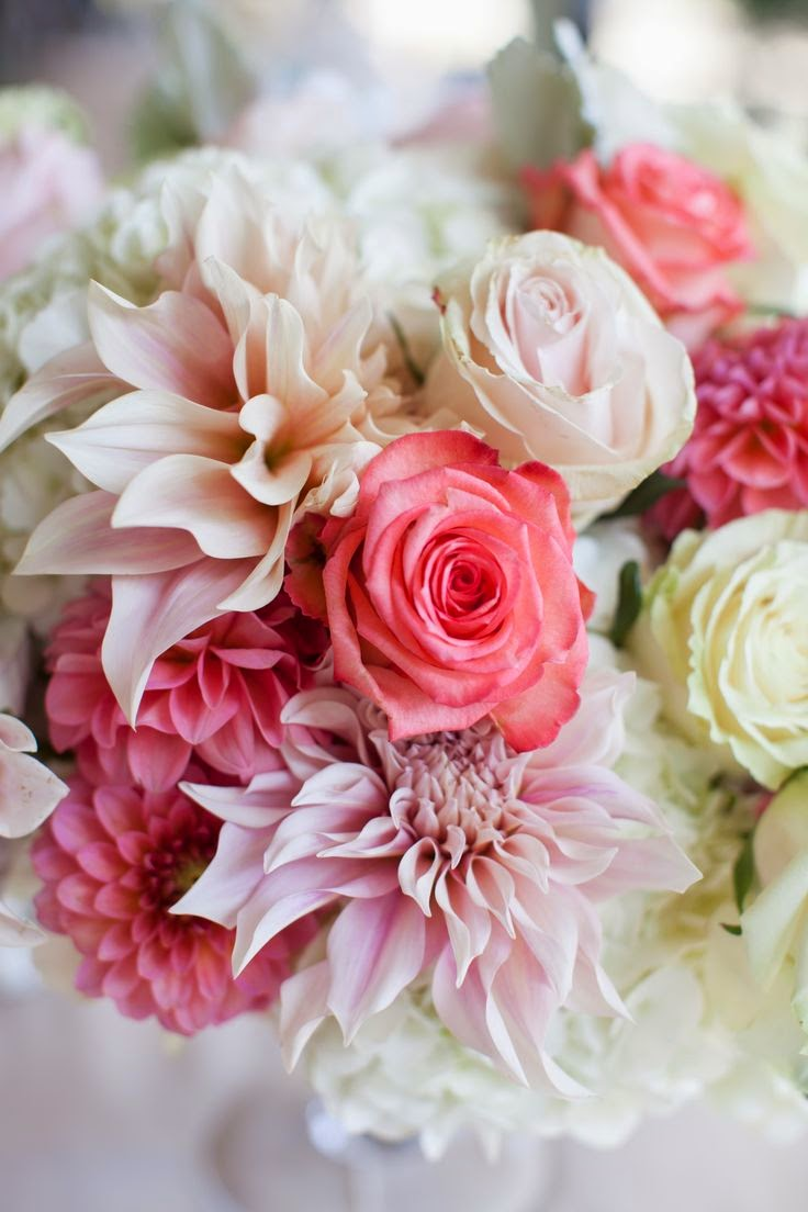 wedding bouquets with dahlias photo - 1