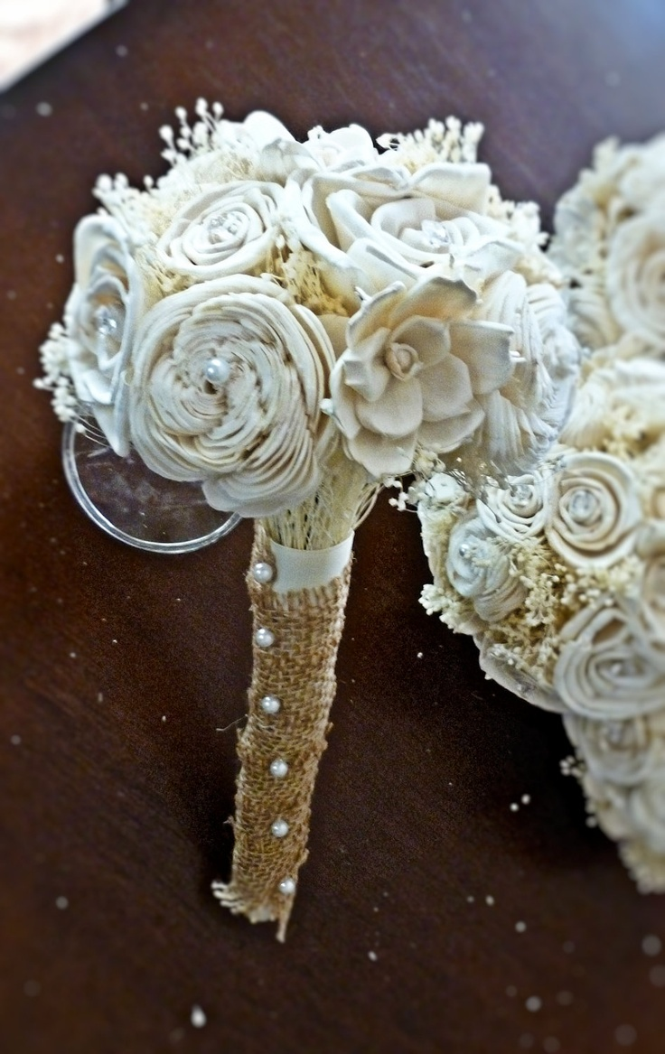 wedding bouquets with pearls and crystals photo - 1