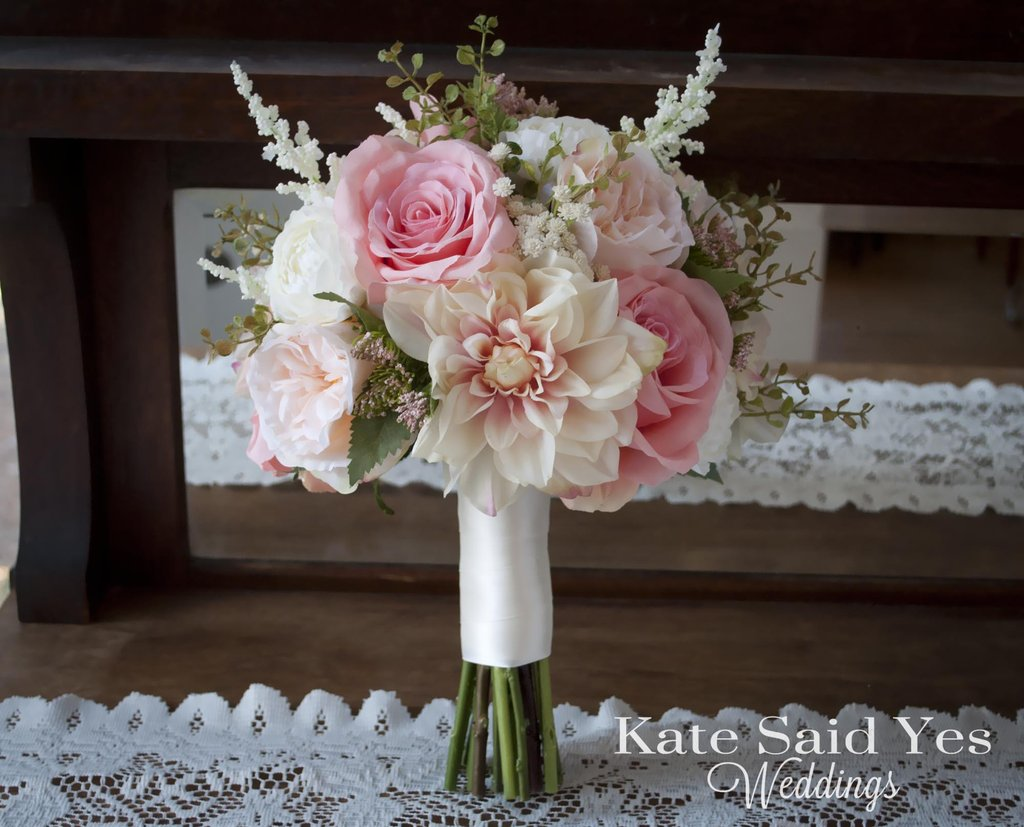 wedding bouquets with ranunculus photo - 1