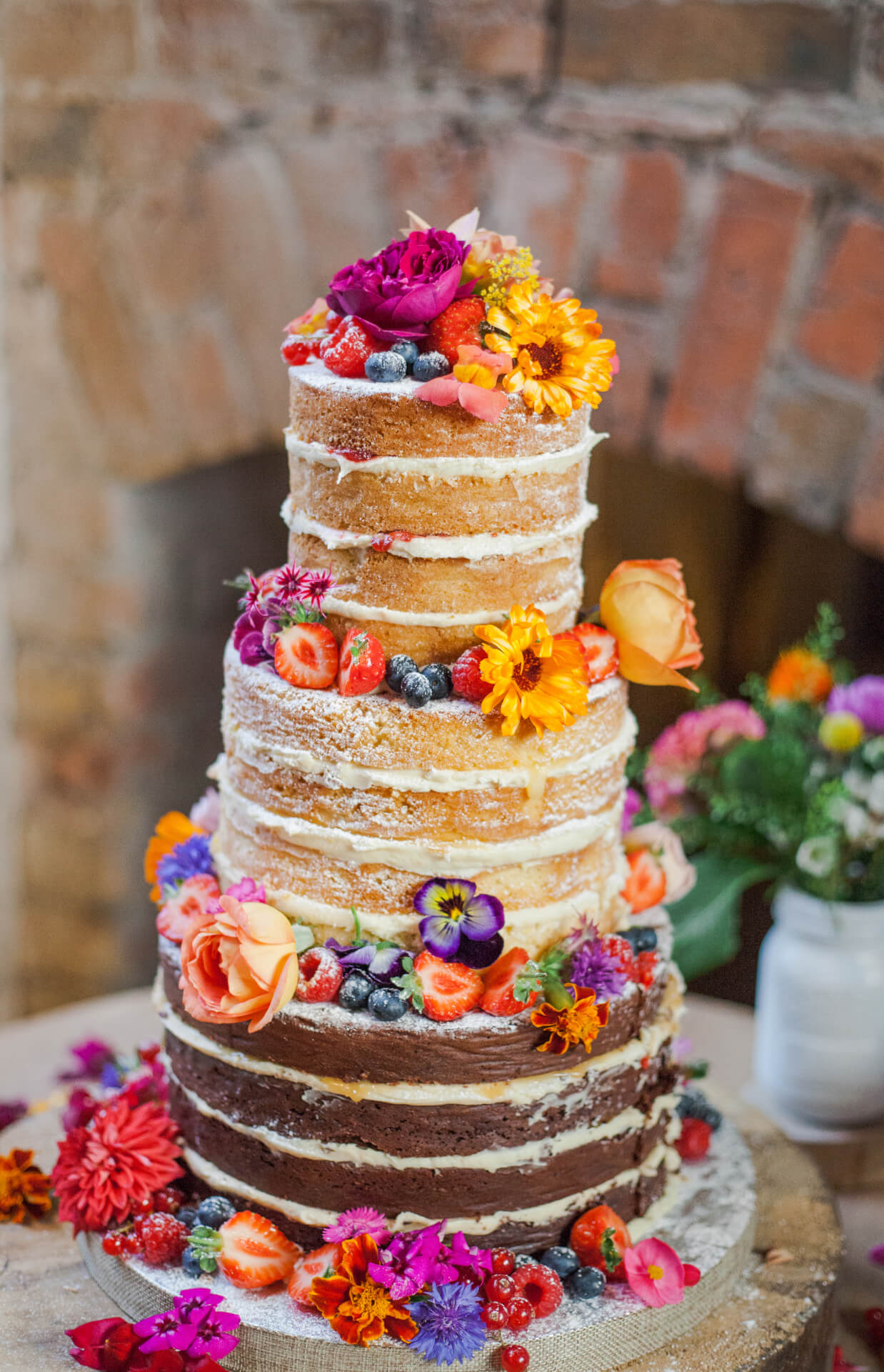 wedding cake flower photo - 1