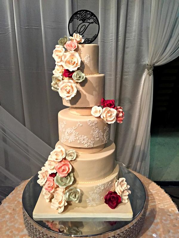 wedding cake flowers cascading photo - 1