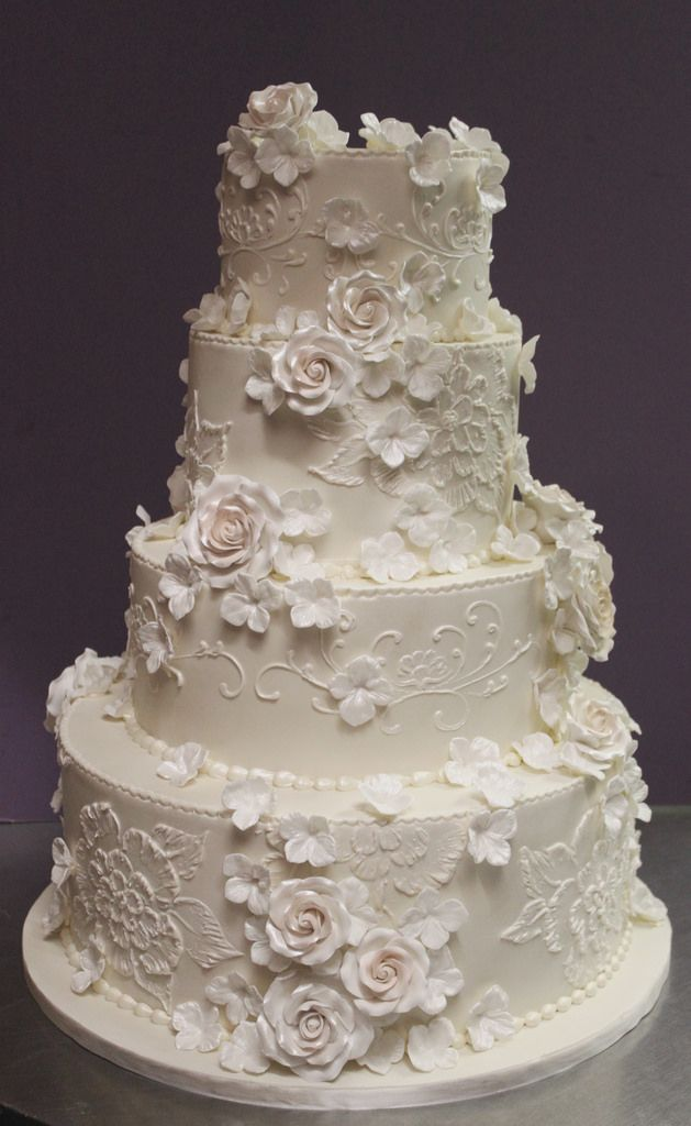 wedding cake with pink flowers photo - 1