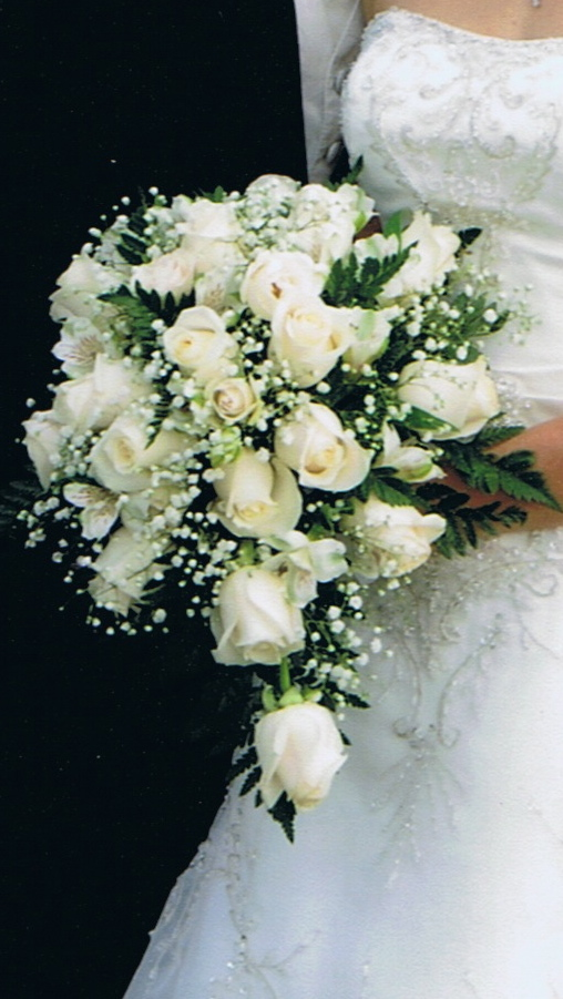 wedding cascading bouquets photo - 1