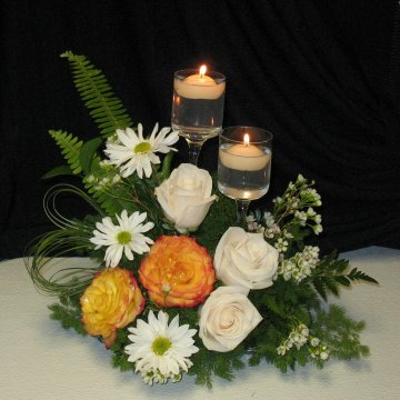 wedding centerpieces with floating candles and flowers photo - 1