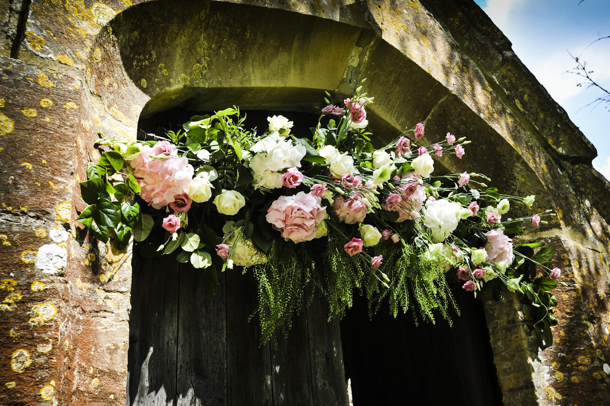wedding flowers basket photo - 1