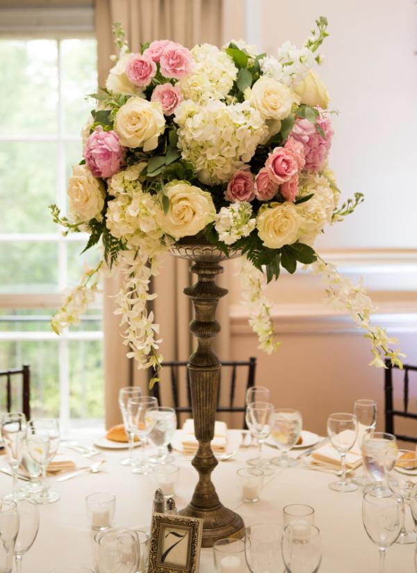 wedding flowers centerpiece photo - 1