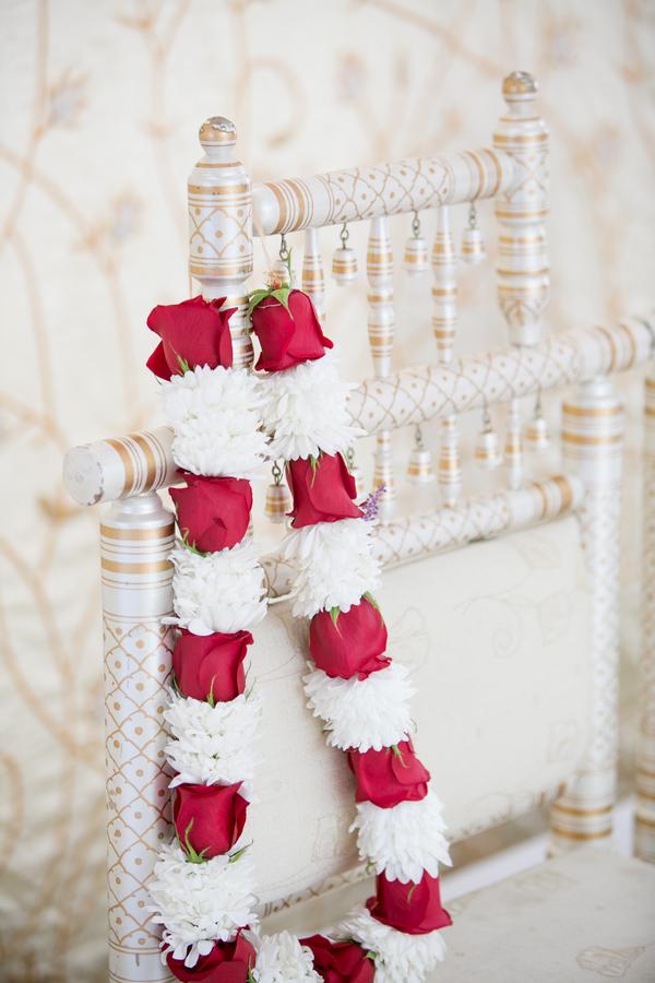 wedding flowers garlands photo - 1