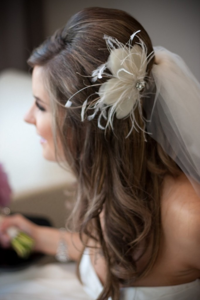 wedding hairstyle with flowers photo - 1