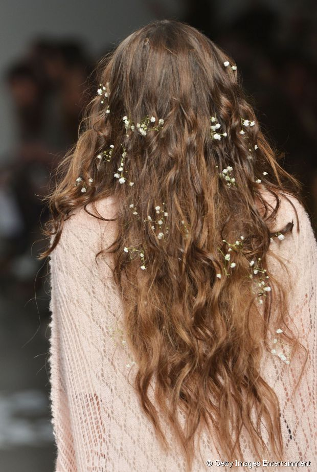 wedding hairstyles with flowers for long hair photo - 1