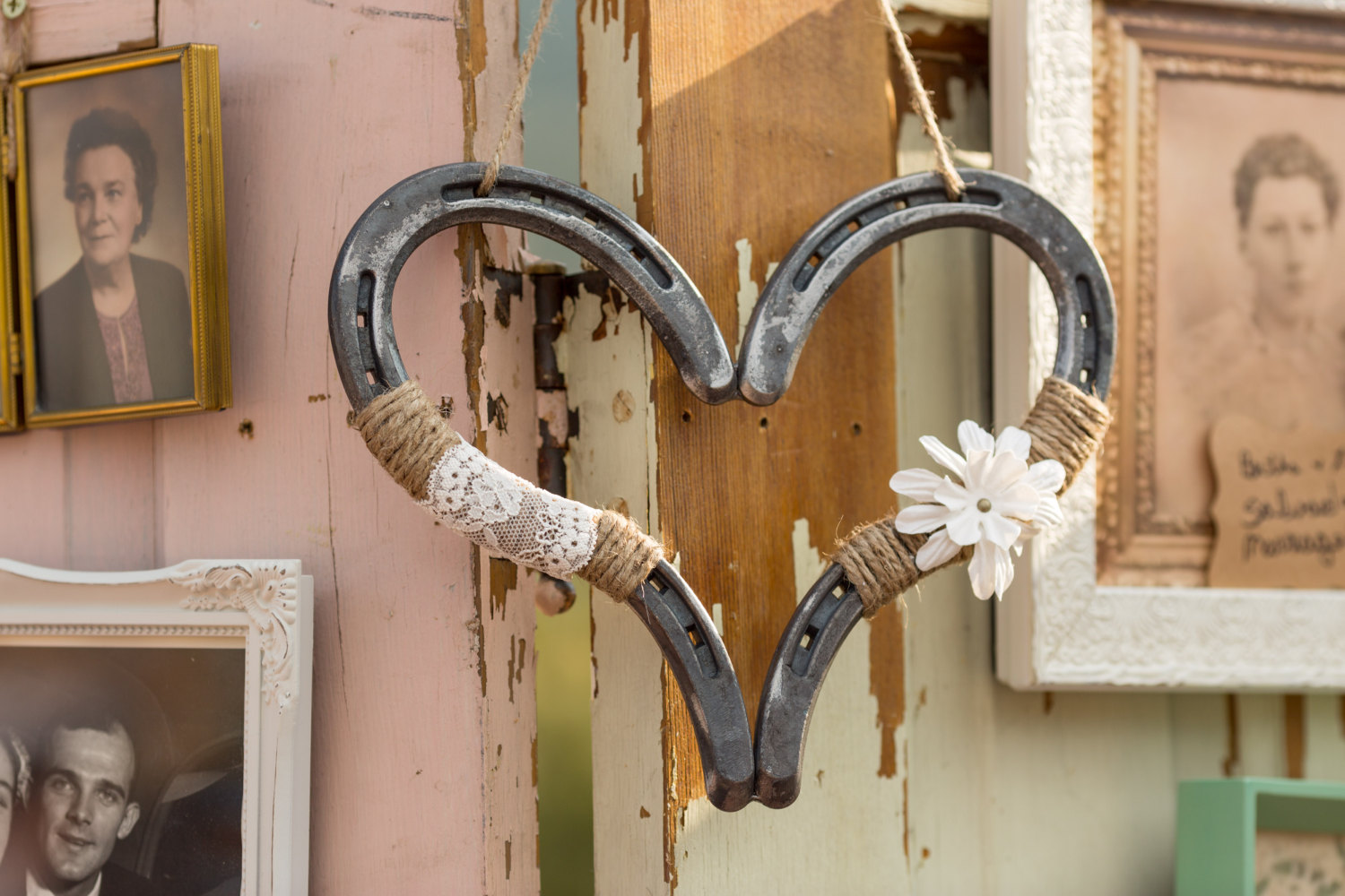 wedding horse shoes photo - 1