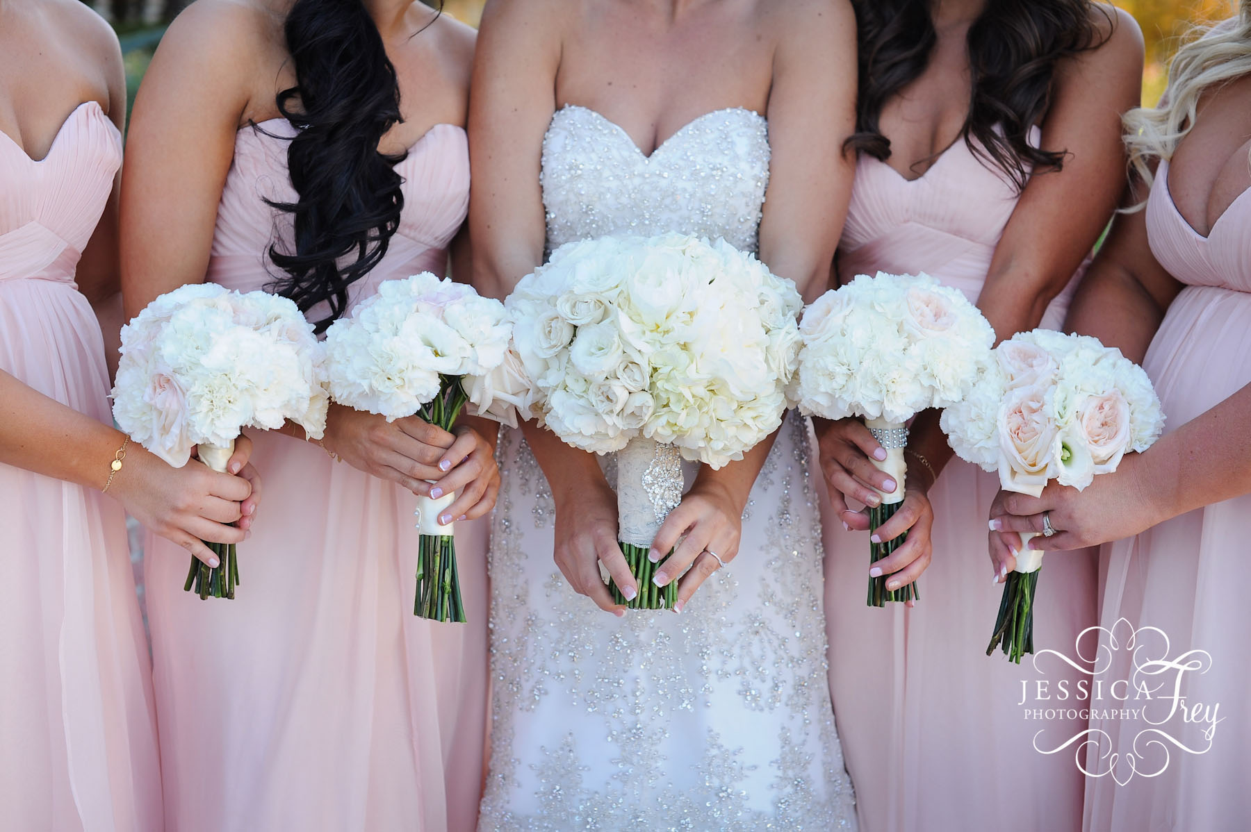 wedding party bouquets photo - 1