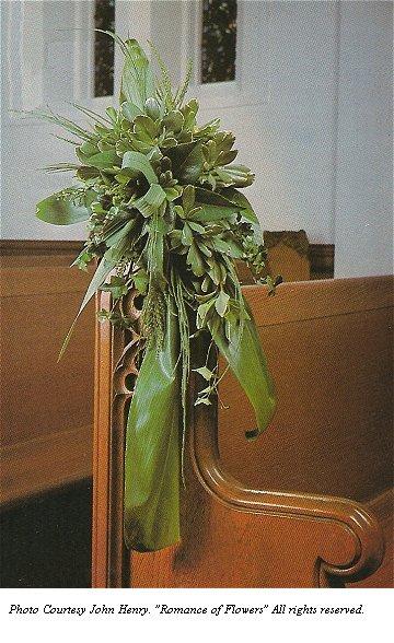 wedding pew flowers photo - 1