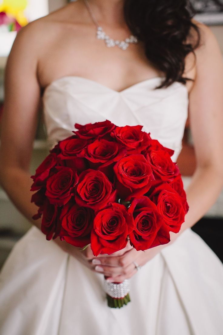 wedding red rose bouquets photo - 1