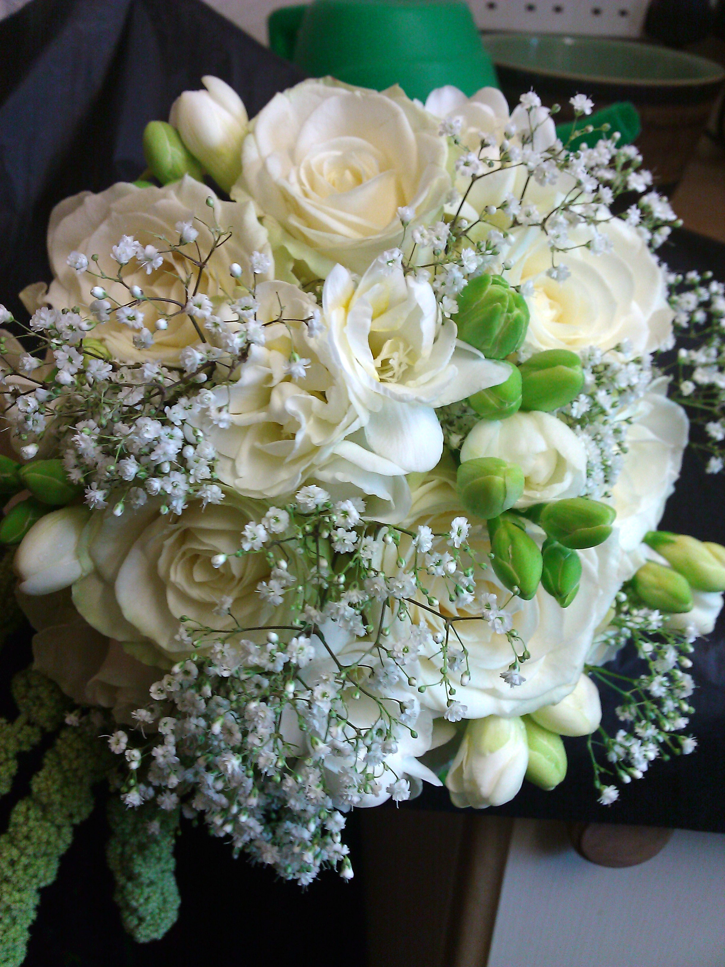 wedding roses bouquet photo - 1