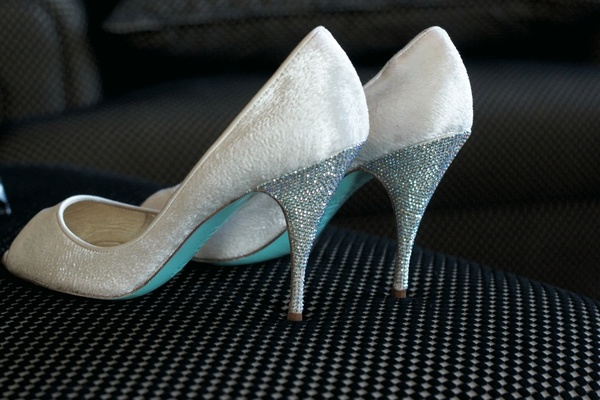 wedding shoes blue soles photo - 1