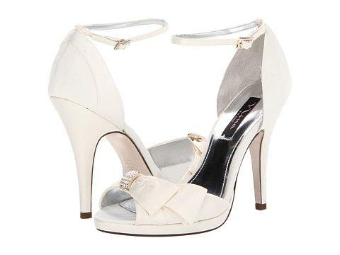 wedding shoes bride photo - 1