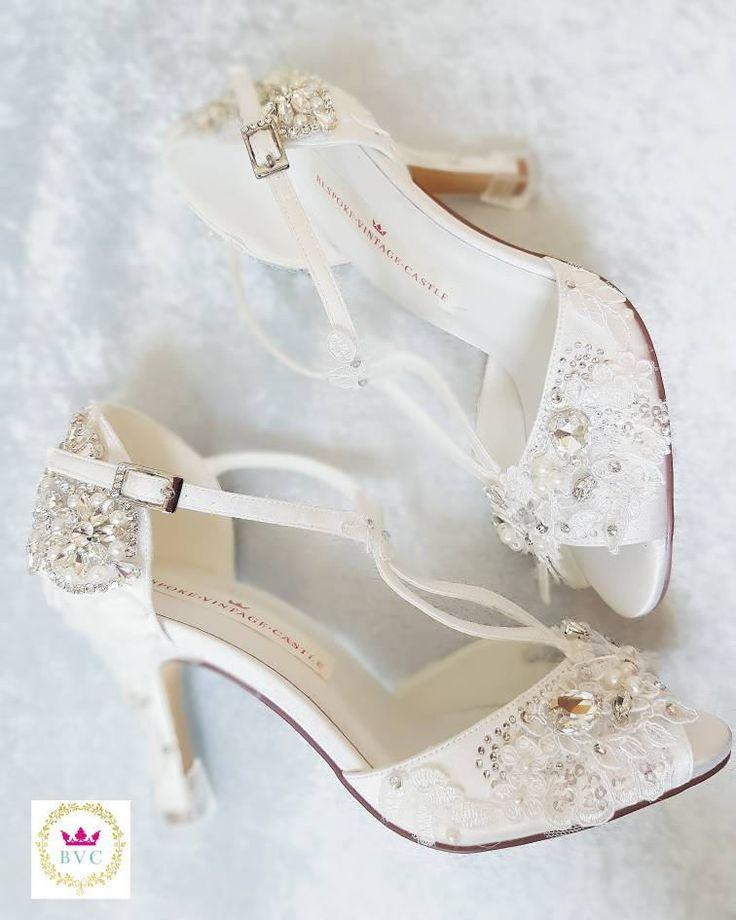 wedding shoes for beach ceremony photo - 1