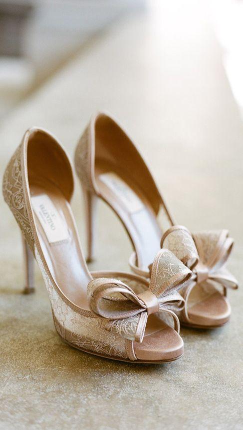 wedding shoes low heels photo - 1