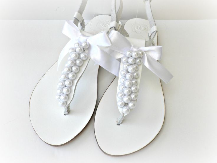 wedding shoes with pearls photo - 1