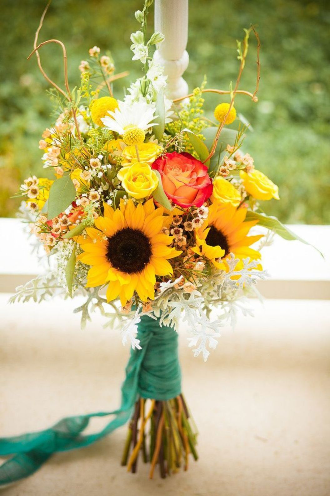 wedding sunflower bouquets photo - 1