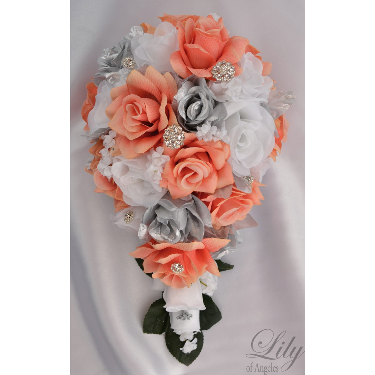 white and coral wedding bouquets photo - 1