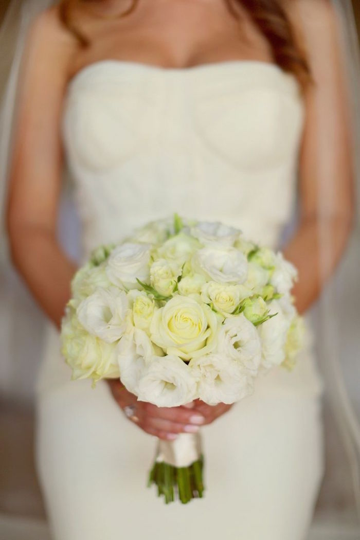 white and cream wedding bouquets photo - 1