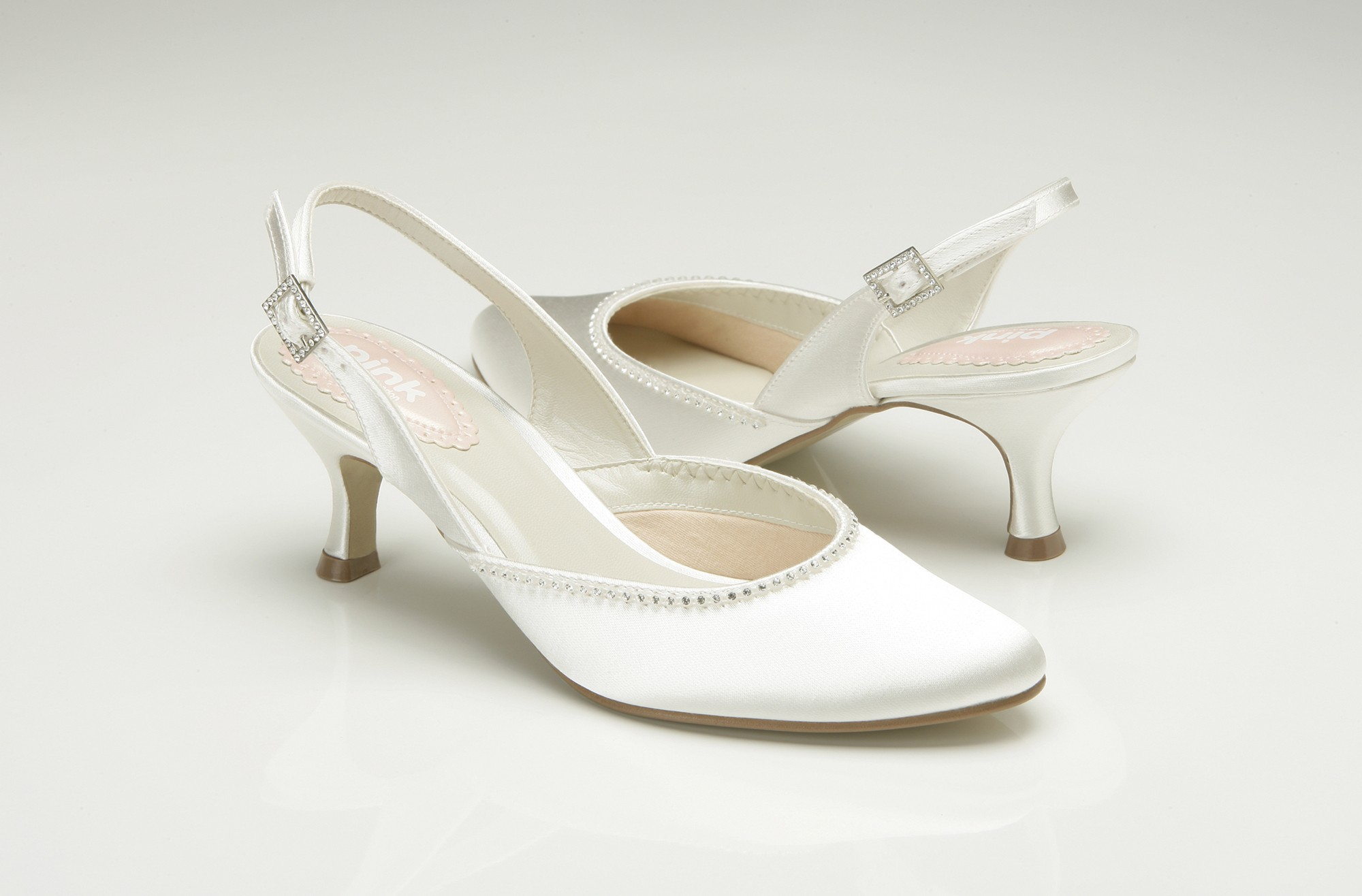 white low heel wedding shoes photo - 1