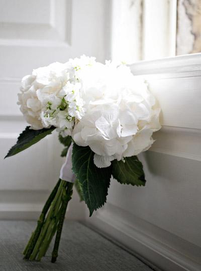 white wedding bouquet flowers photo - 1