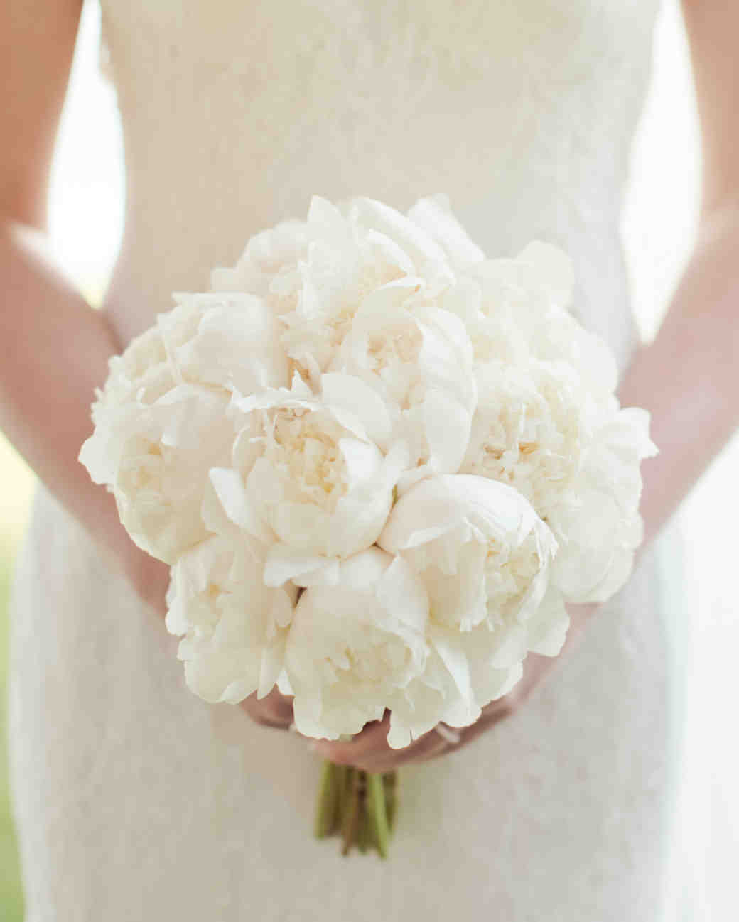 white wedding bouquets flowers photo - 1