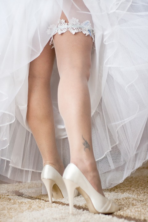 white wedding shoes for bride photo - 1