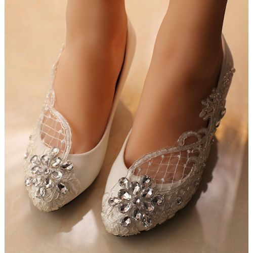 wide bridal shoes low heel photo - 1
