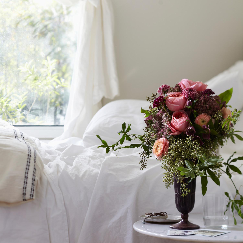 winter wedding flower bouquets photo - 1