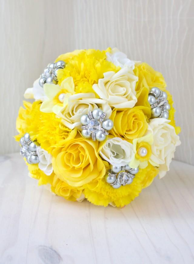 yellow and grey wedding bouquets photo - 1