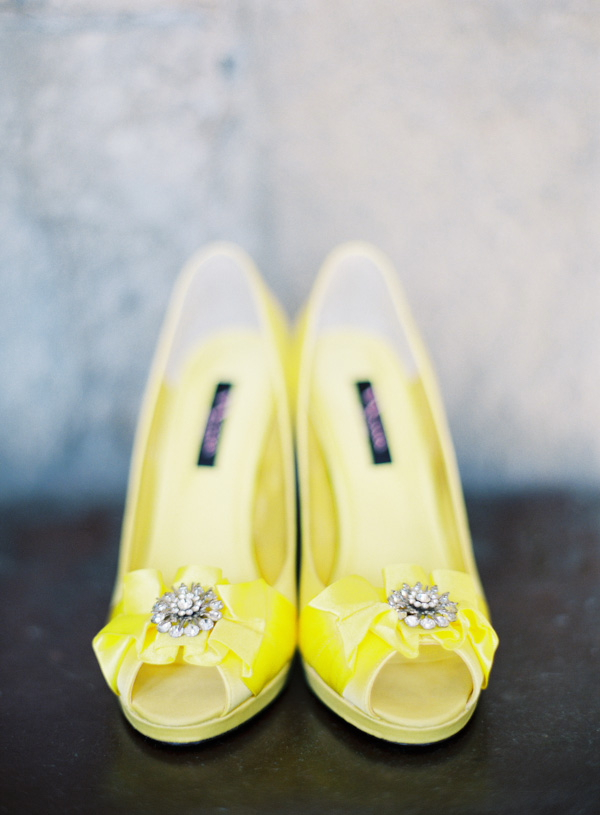 yellow wedding shoes photo - 1