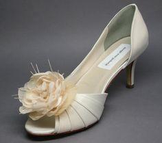 1 inch heel bridal shoes photo - 1