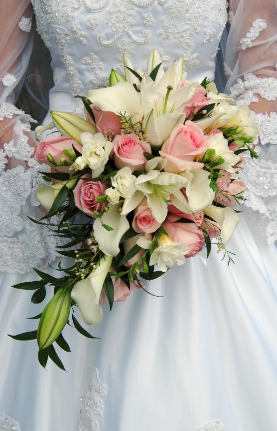 artificial teardrop wedding bouquets photo - 1