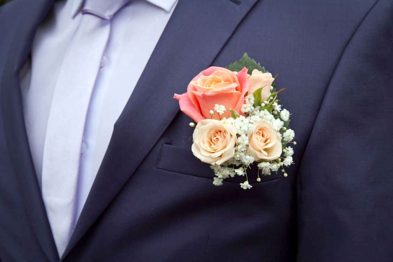average cost of wedding bouquets and boutonnieres photo - 1