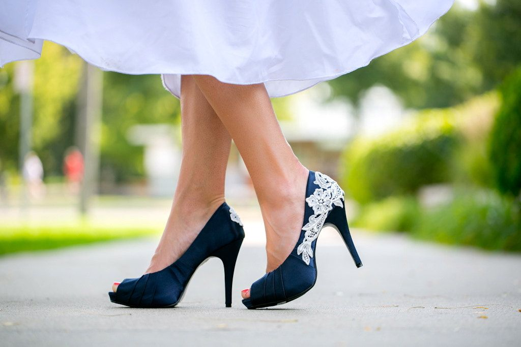 blue shoes for wedding photo - 1