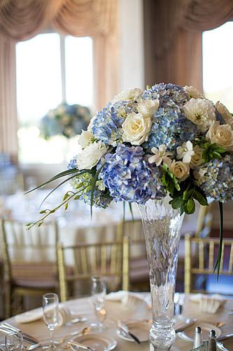 blue wedding flowers centerpieces photo - 1