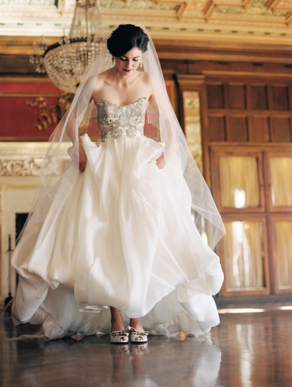 bridal shoes gold photo - 1